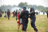 2012-10-16_eviction_ZAD_Notre_Dame_des_landes_2