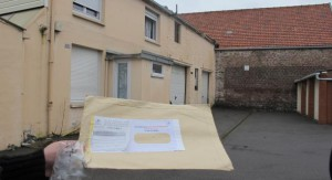 Sealed registered letter posted to the 3 impasse Leclercq, Calais