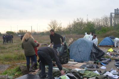 2014-04-11_Calais_Sudanese_jungle_eviction