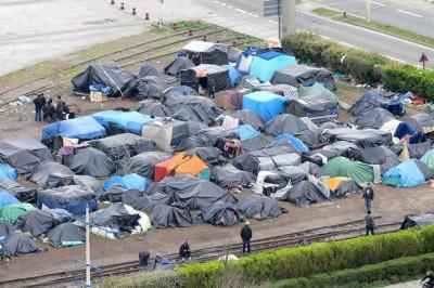 2014_Calais_refugee_camp_rue_Lamy