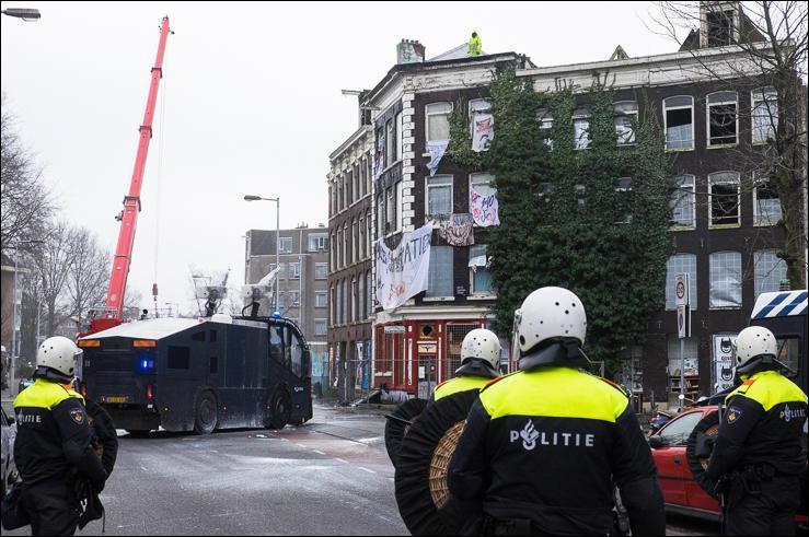 20150120_Amsterdam_eviction_Pieter_Vlamingstraat_98_Amsterdam_00