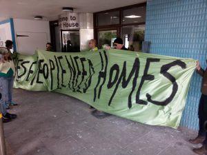 Barnet_Homes_shut_down_Sweets_Way_Resists