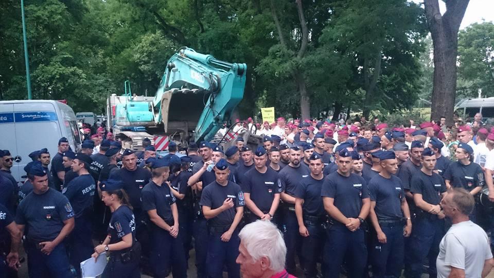 20160706_Occupy_City_Park_Budapest_10