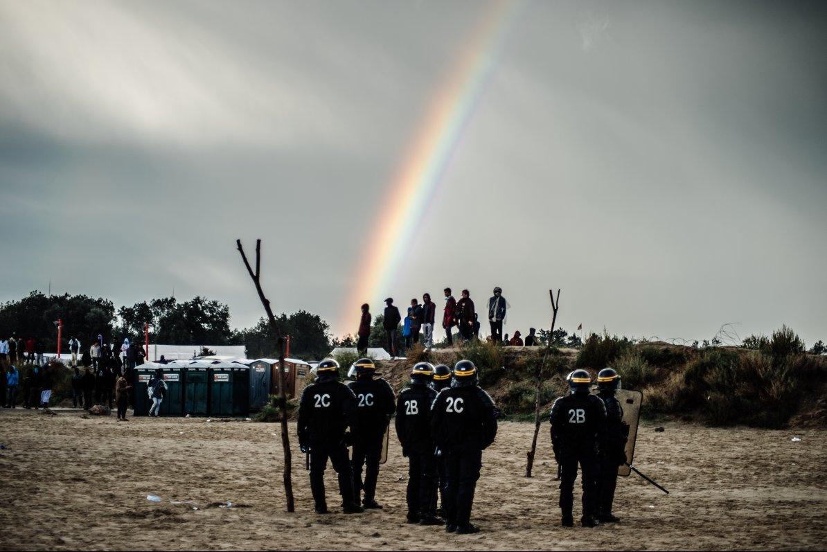 2016-10-01_Calais_manifinterditearcenciel