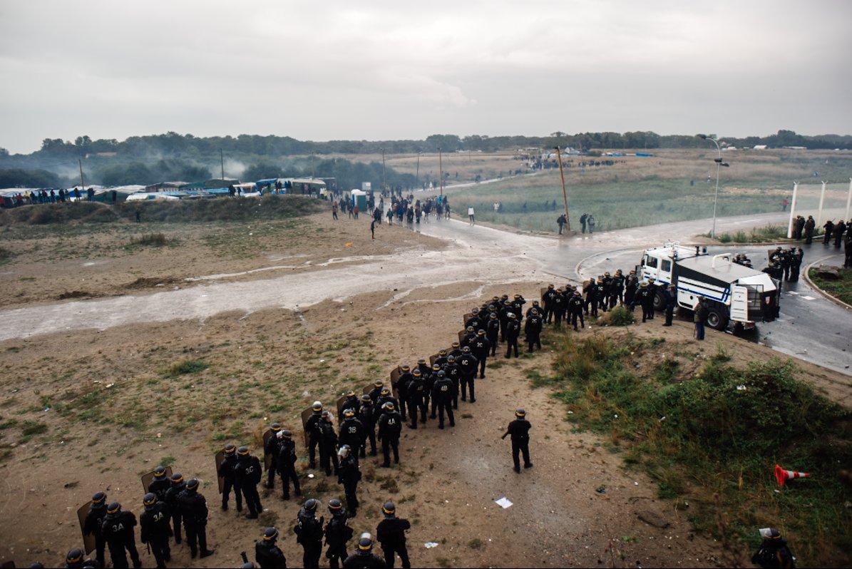 2016-10-01_Calais_manifinterditepression