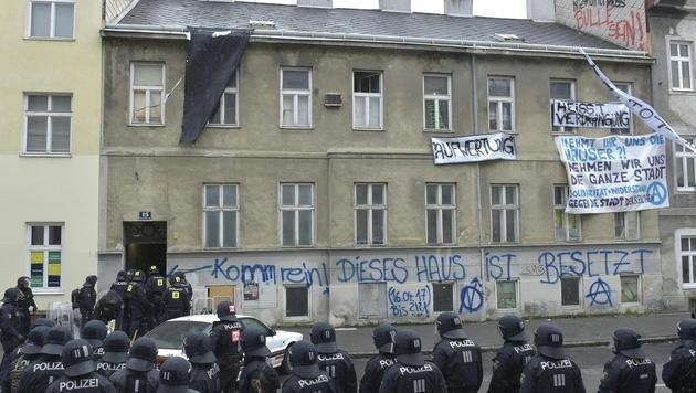 20170419_eviction_Kienmayergasse_15_Vienna